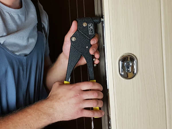 ремонт дверей от профессионалов